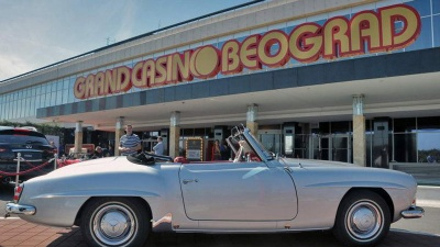 HakoS Mercedes 190SL on 24 Hours of Elegance